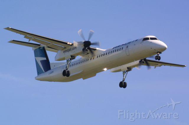 de Havilland Dash 8-400 (C-GDEN)