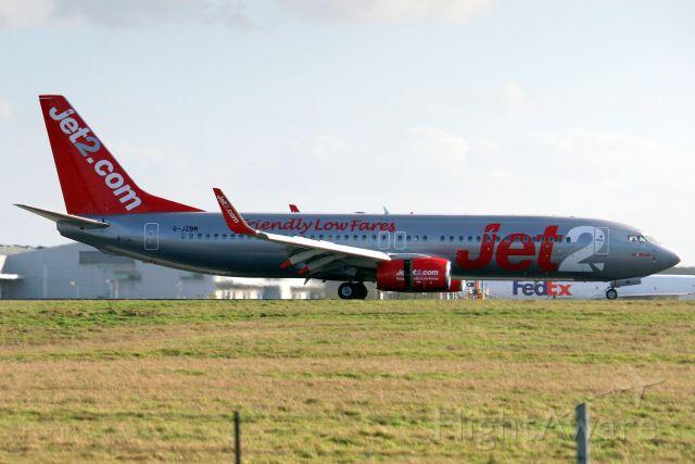 Boeing 737-800 (G-JZBM) - Landing on rwy 22 on 1-Feb-20 operating flight EXS1462 from LSGG.