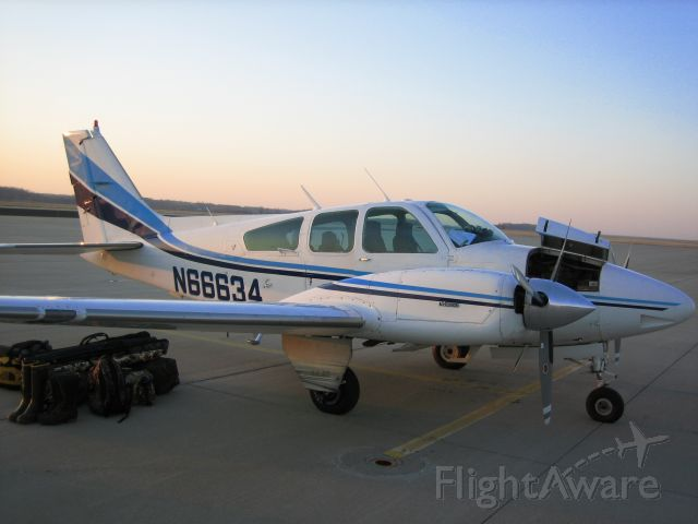 Beechcraft 55 Baron (N66634)