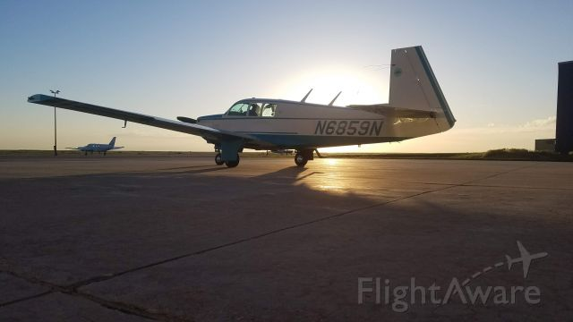 Mooney M-20 (N6859N) - Dawn departure for the CO mountains.