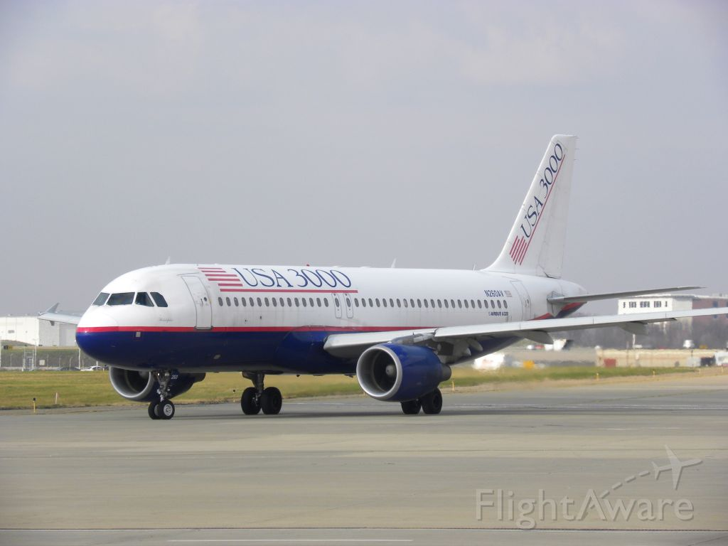 Airbus A320 (N260AV)
