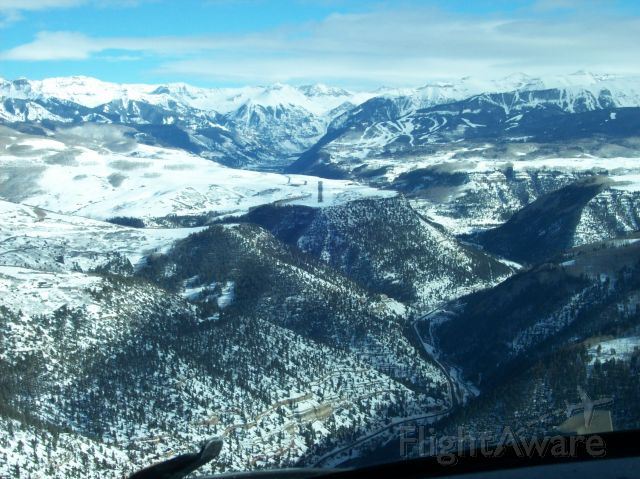 — — - Not too fast!!!  On final to runway 9 at Telluride, CO.    KTEX field elevation 9,078 ft.  Runway 9/27 6,870 x 100 ft.