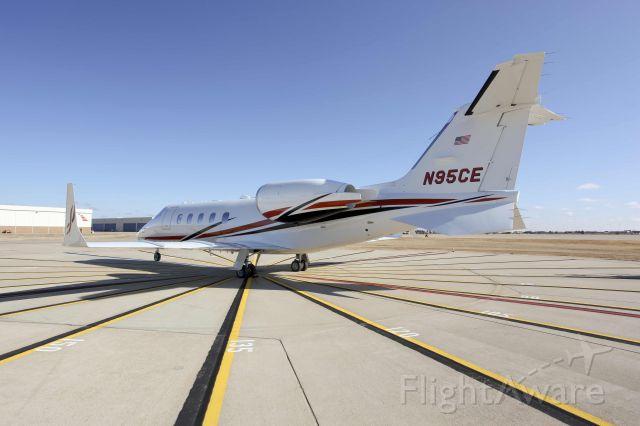 Learjet 60 (N95CE)