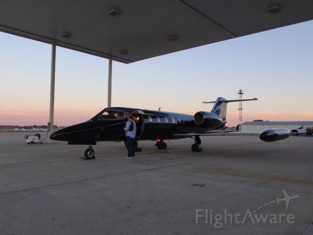 Learjet 35 (N469BB) - In Bowling Green ready to fly