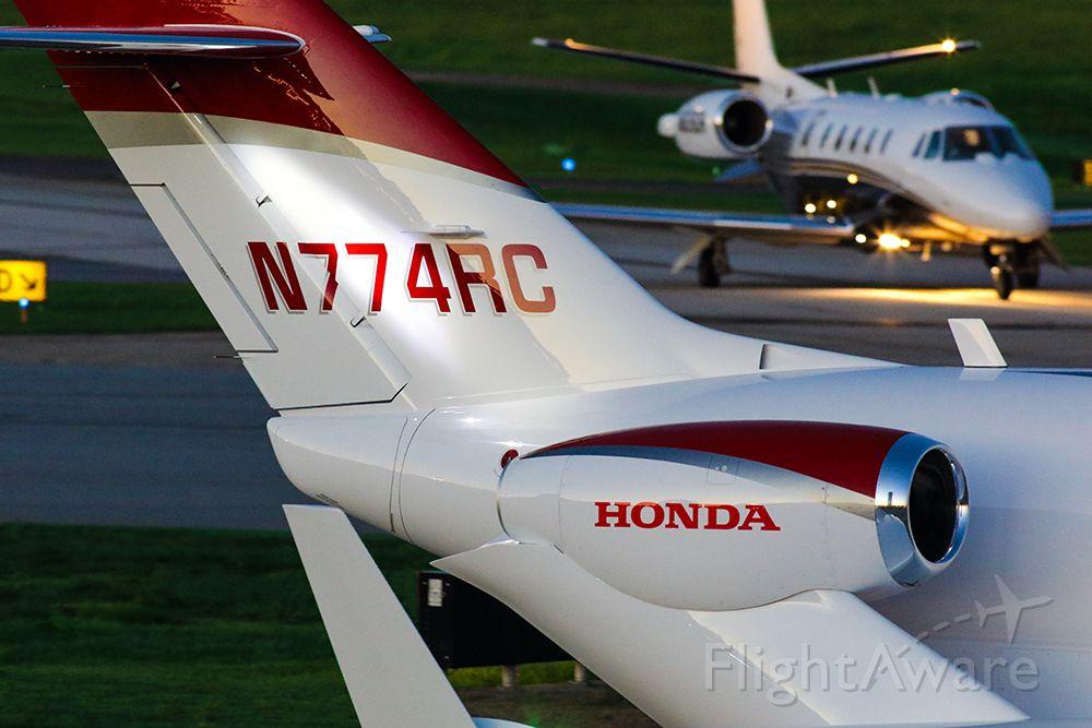 Honda HondaJet (N774RC)
