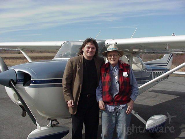 Cessna Skyhawk (N20032) - Bob & Dad, on flight with Stan Perry, KBKW
