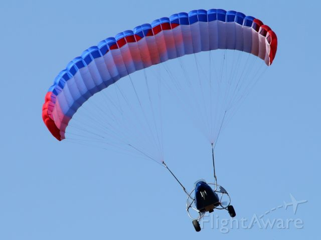 Unknown/Generic Glider (UNKNOWN) - 27/06/2020: At around 08:00 spotted a dozen of powered paragliders maneuvered around the runways at Ben-Gurion A/P, and several were close enough for a good focal.