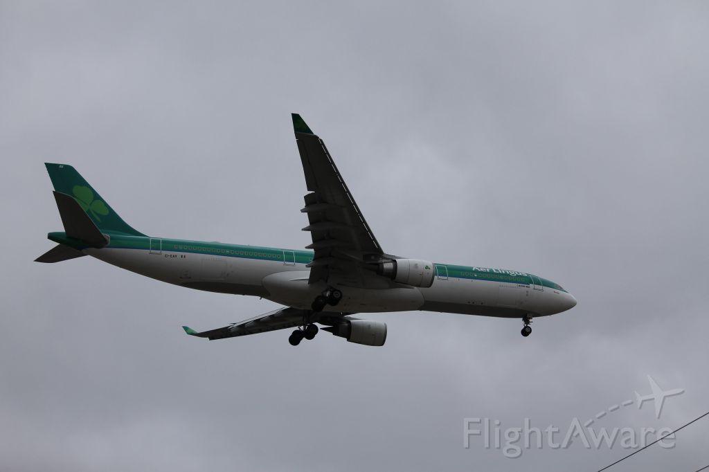 Airbus A330-300 (EI-EAV) - EIN123 landing on 28C from Dublin.