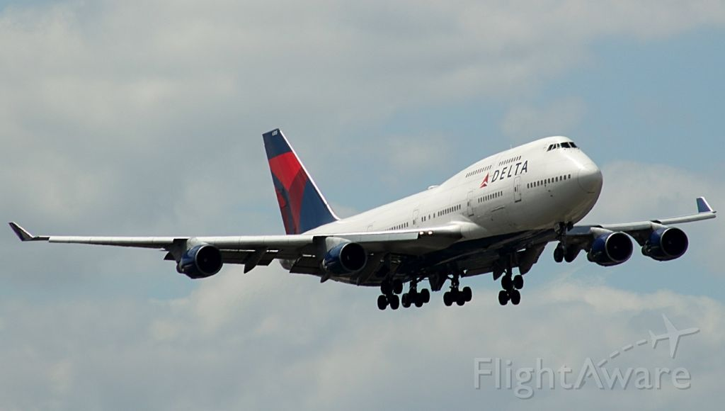 """Boeing 747-400 (N665US) - Check out our video of this beauty on takeoff with 100% authentic and non-leveled sound! <br /><br /><a rel=""""nofollow"""" href=""""http://youtu.be/UNqTcpSmp4M"""">https://youtu.be/UNqTcpSmp4M</a><br /><br />Very rare military charter at FLL! 04/10/16"""