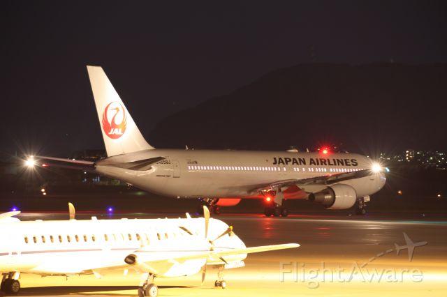 BOEING 767-300 (JA659J) - 22 October 2015HKD-HND.