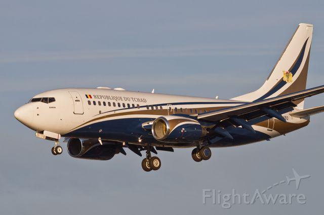 Boeing 737-700 (TT-ABD) - LFPB 05 decembre 2013  Boeing 737  Republique du Tchad TT-ABD Summit France Africa on 6 and 7 December 2013
