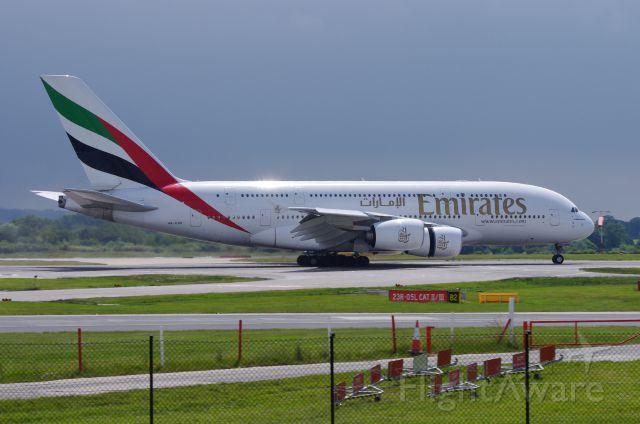 Airbus A380-800 (A6-EDH)