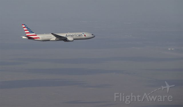 Boeing 777-200 (N773AN) - In flight capture