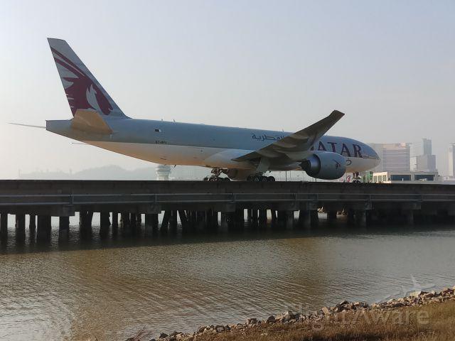 BOEING 777-200LR (A7-BFJ)