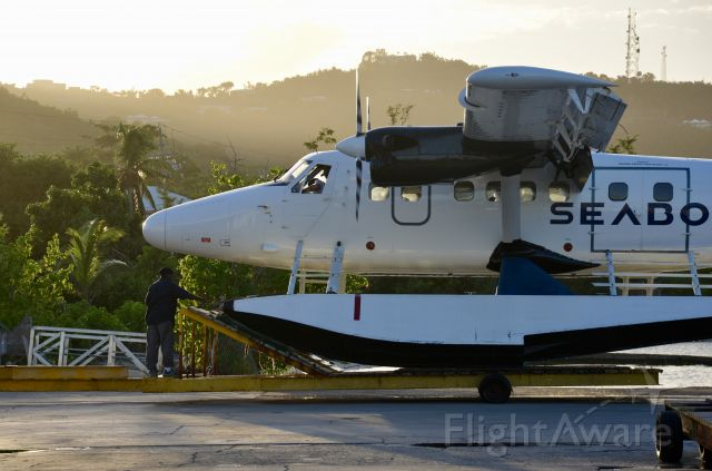 De Havilland Canada Twin Otter (C-FAKB)
