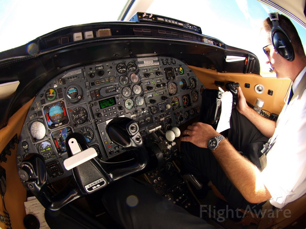 — — - Out of FL360 at 4,000/minute!