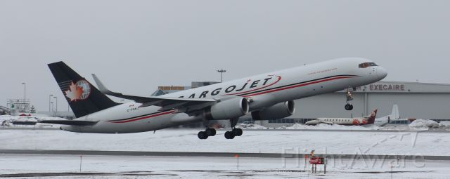 Boeing 757-200 (C-FGKJ) - Takeoff runway 07