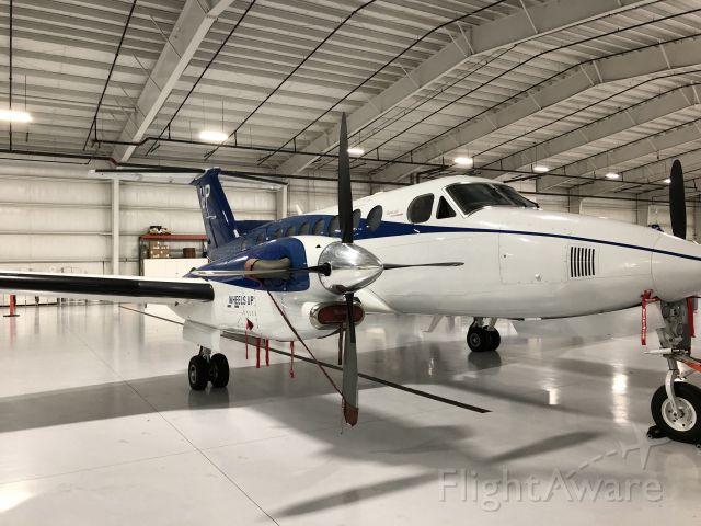 Beechcraft Super King Air 350 (N879UP)