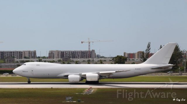 BOEING 747-8 (N859GT) - Departing Miami International Airport on the 29th of April.
