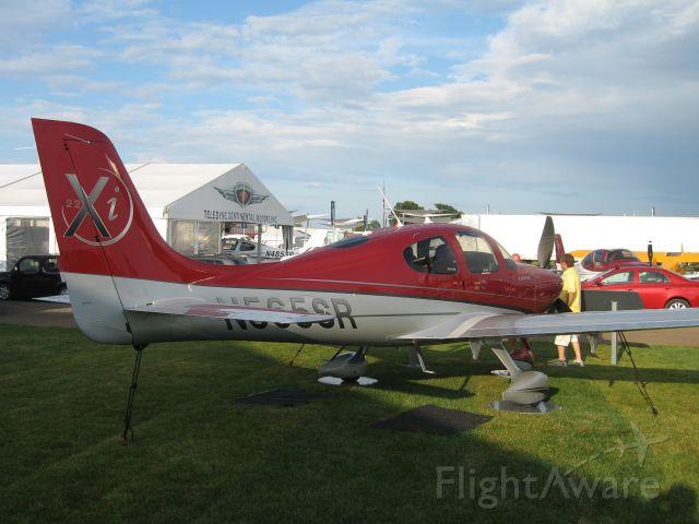 Cirrus SR-22 (N565SR)