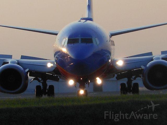 Boeing 737-700 (N422WN) - 2002 737-7H4