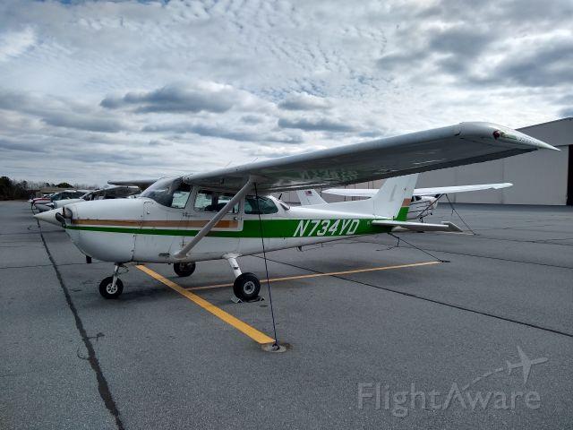 Cessna Skyhawk (N734YD)
