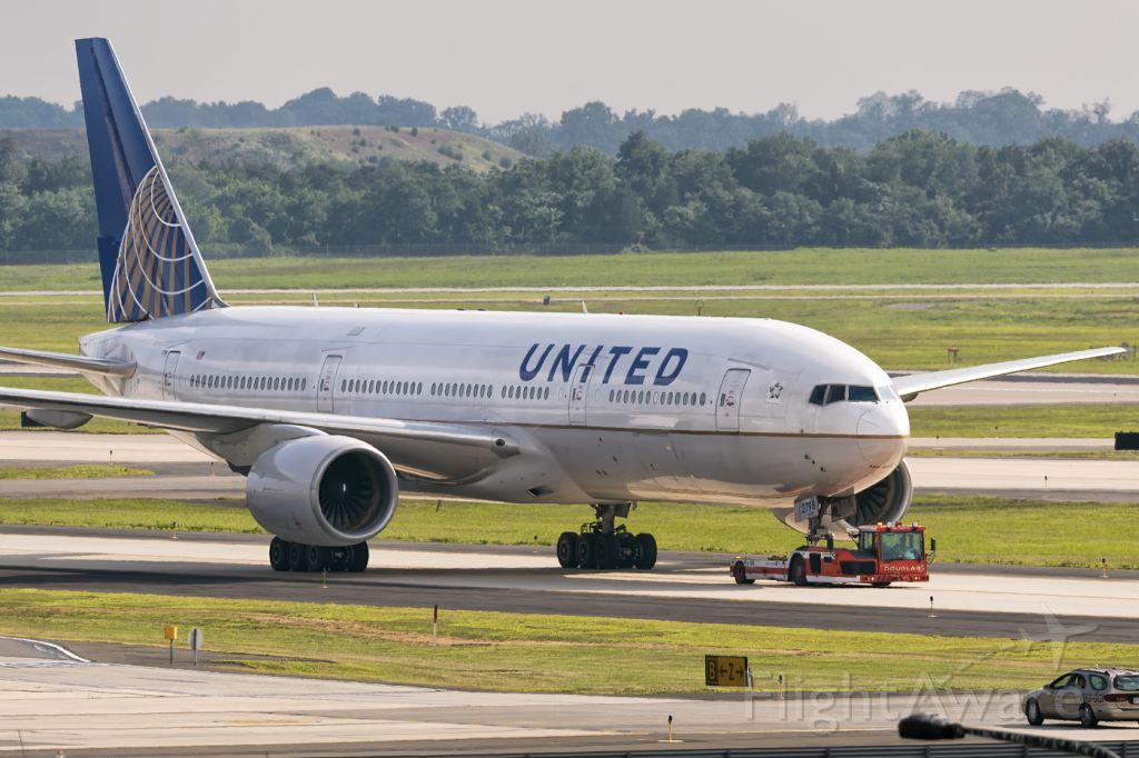 Boeing 777-200 (N798UA) - 4th August, 2015