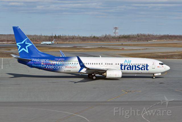 Boeing 737-800 (C-GTQG)
