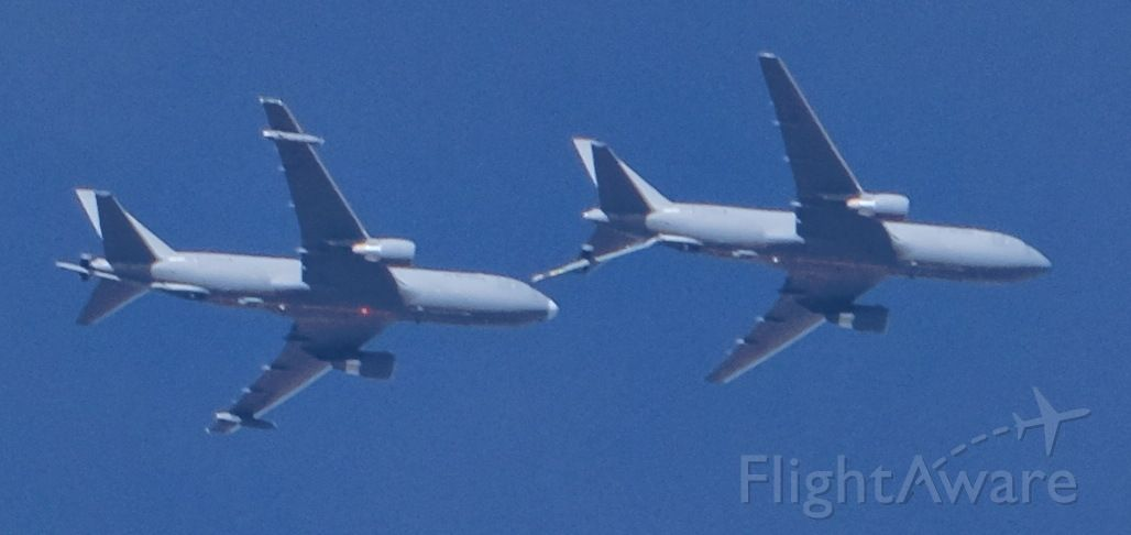BOEING 767-200 (N462KC) - With a similar airplane at 25,000'.br /Lone Pine, California, March 4, 2020.