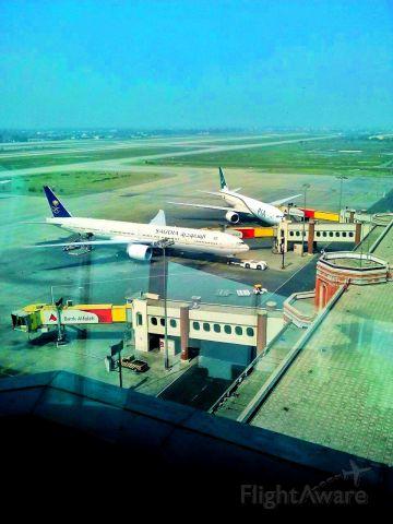 BOEING 777-300ER (HZ-AK23)