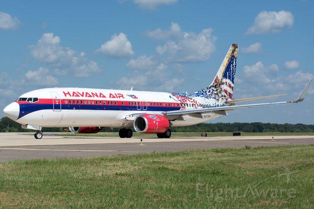 Boeing 737-800 (N277EA)