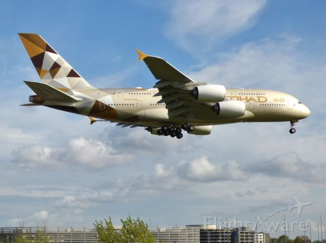 Airbus A380-800 (A6-APH)