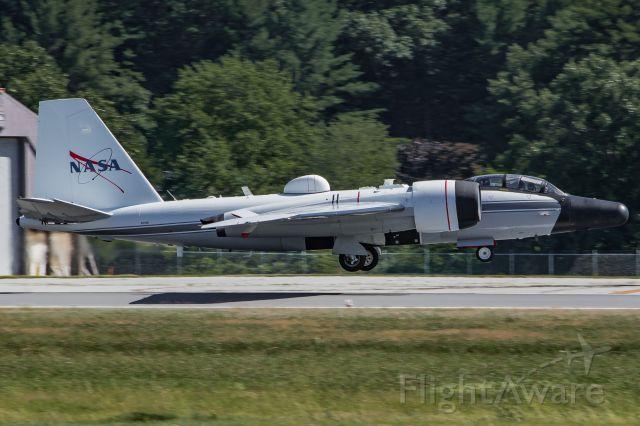 Martin WB-57 (N926NA) - NASA926 arriving at Hanscom from Ellington.