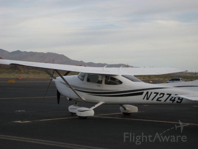 Cessna Skylane (N72749)