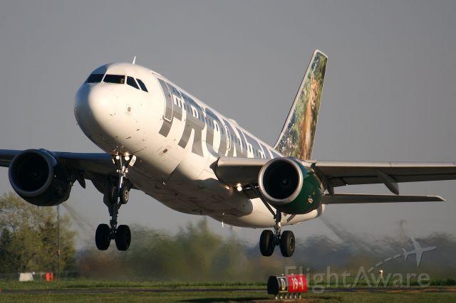 Airbus A319 (N910FR)