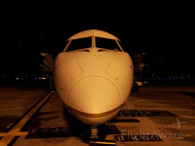 de Havilland Dash 8-400 (N332NG) - Pic taken with my phone