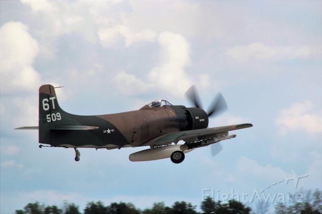 Douglas AD Skyraider (N2AD) - Gear Up !!