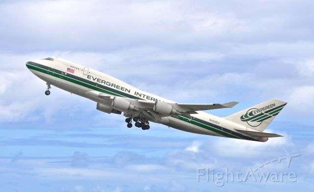 Boeing 747-400 (N492EV)