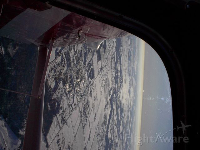 Dassault Falcon 20 (N513AC) - Going over the top.