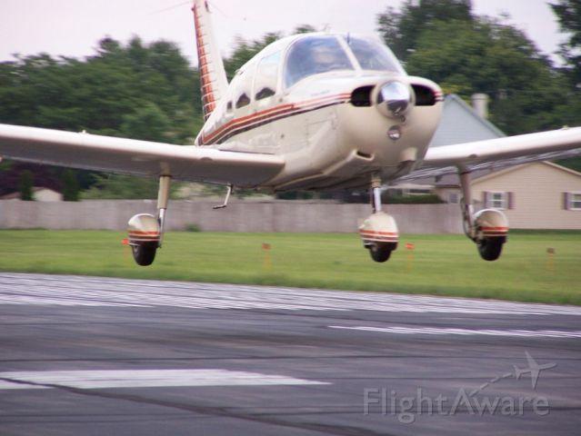 Piper Cherokee (N120BJ) - Bryan Oetting landing at KVNW in (Ginger)N120BJ