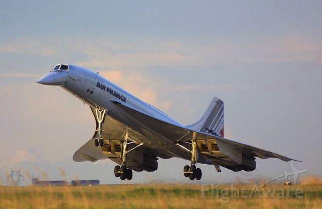 Aerospatiale Concorde (N4590)