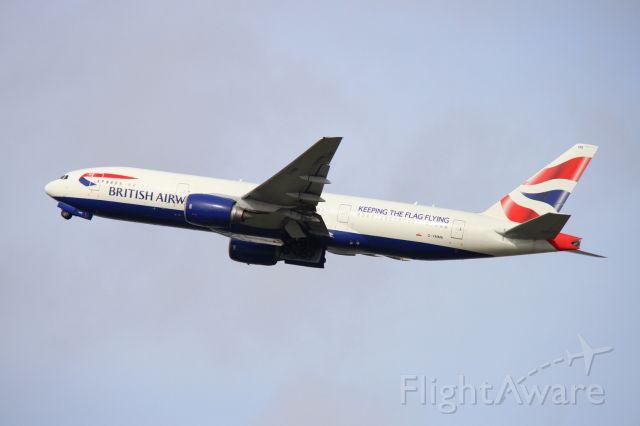 Boeing 777-200 (G-YMMK)