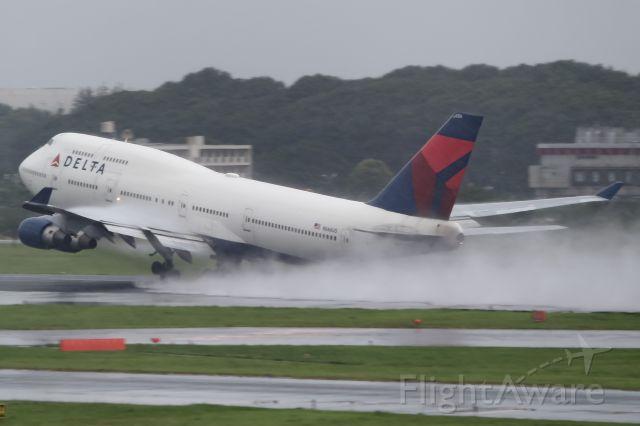 Boeing 747-400 (N667US)