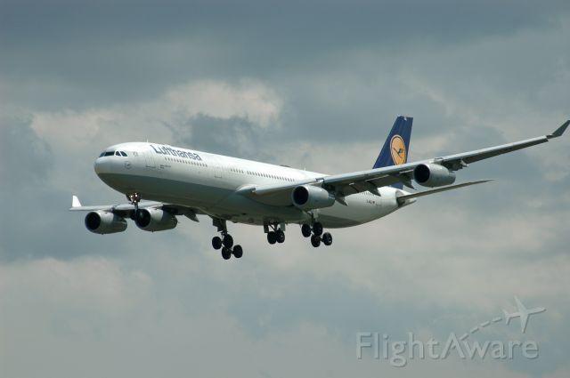 Airbus A340-300 (D-AIGL) - Lufthansa Airbus A340-313X (D-AILG) as flight LH470 on final at runway 06L on July 23, 2020