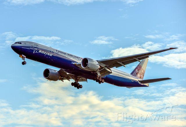 Boeing 777 (B-18007)