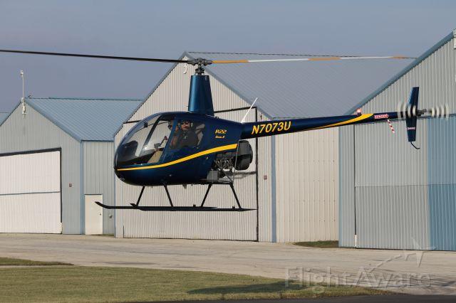 Robinson R-22 (N7073U)