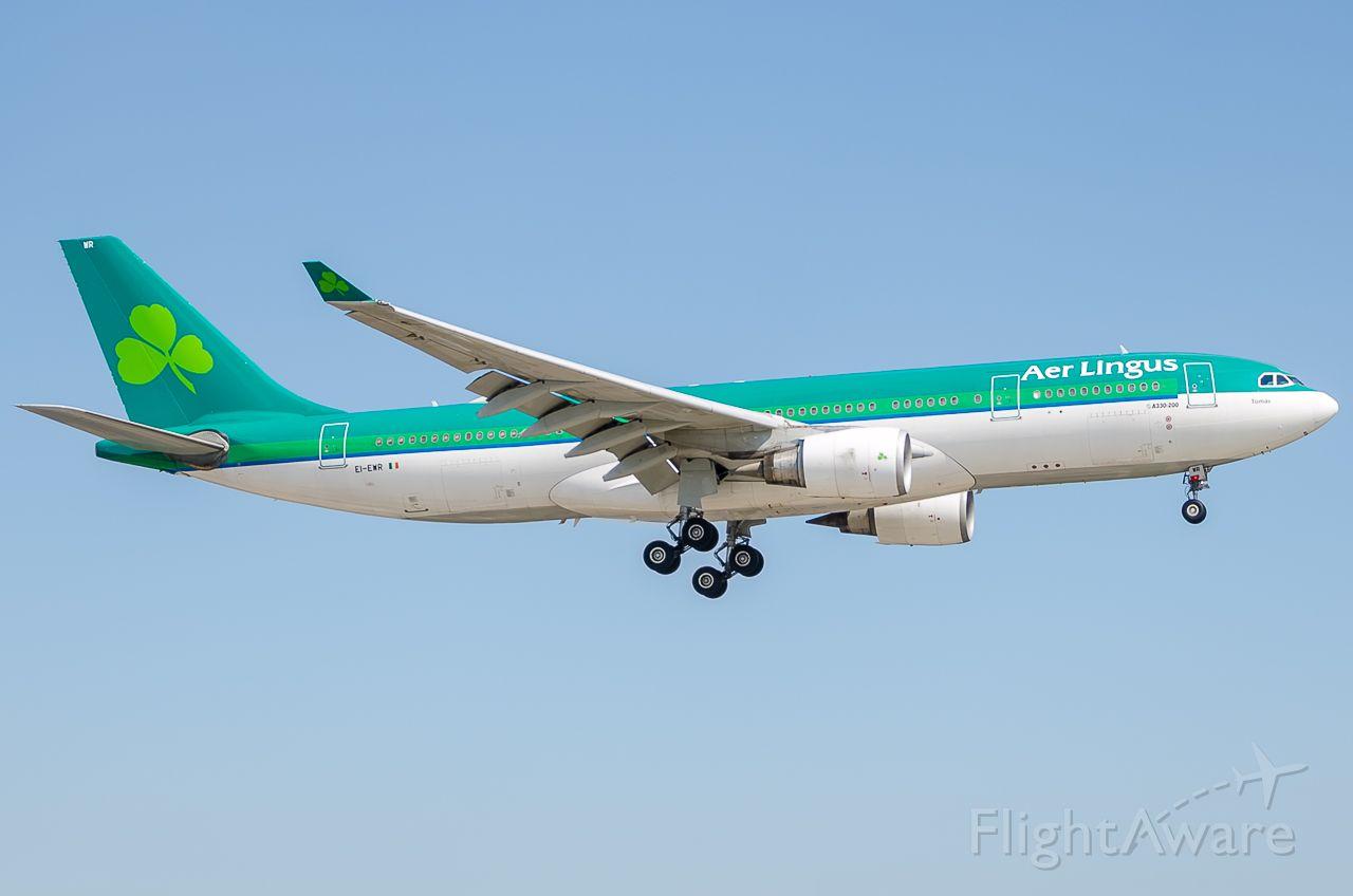 Airbus A330-300 (EI-EWR)