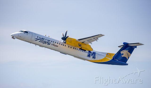 de Havilland Dash 8-400 (N403QX)