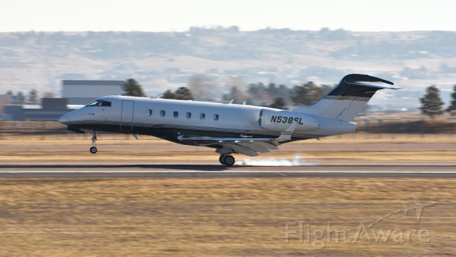Bombardier Challenger 300 (N538SL)
