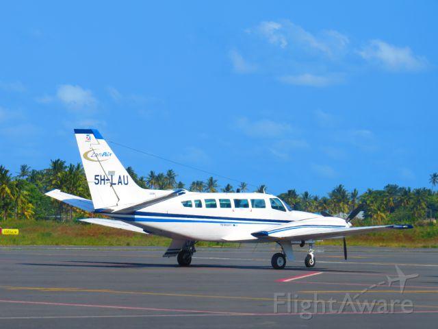 Cessna 404 Titan (5H-LAU)